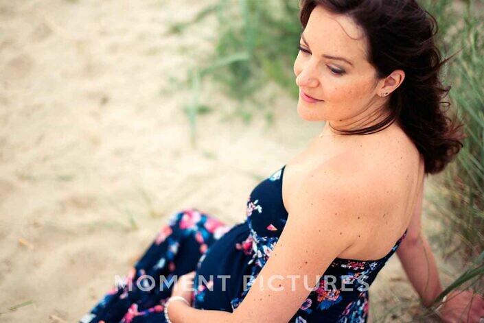 Zwangerschapsfotografie in het zand